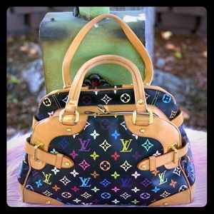 💚Louis Vuitton Claudia Limited Edition 💙